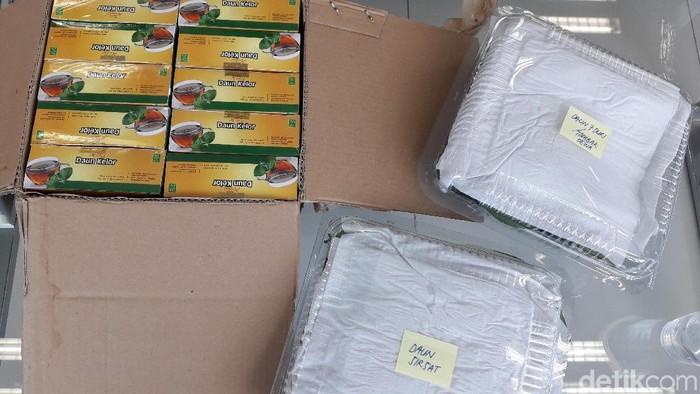 Obat kanker dari Tri Rismaharini untuk Sutopo PN. Foto: Rosmha Widiyani/detikHealth