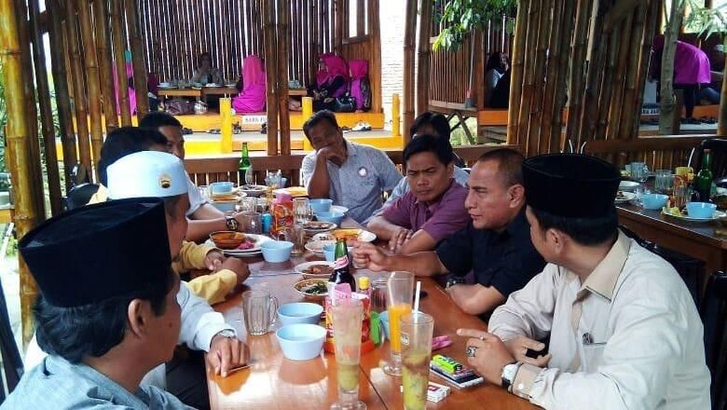 Sarapan Enak Gubernur hingga Penjual Makanan Viral di Indonesia