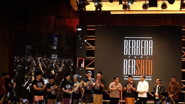 Didukung Alumni SMA Pangudi Luhur, Jokowi Dapat Sapu 'Bersihkan' Koruptor