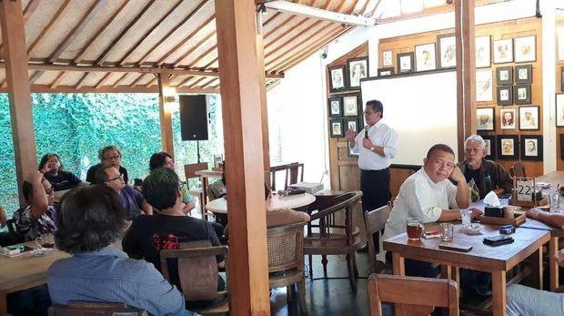 Hasto Konsolidasi dengan Butet-Djaduk untuk Deklarasi Seniman ke Jokowi