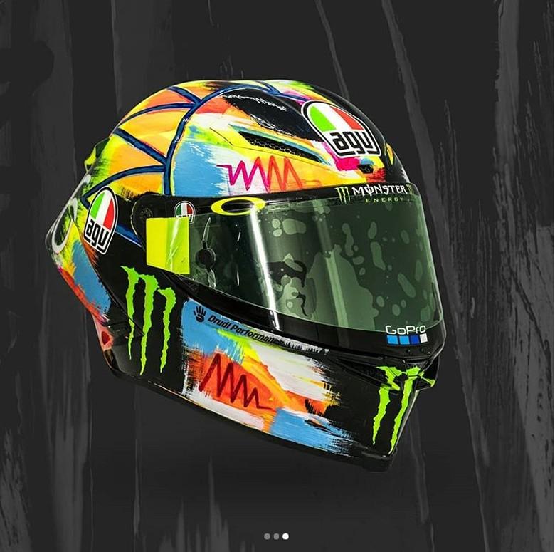 Helm Baru Rossi di Tes Pramusim Sepang. Foto: Instagram
