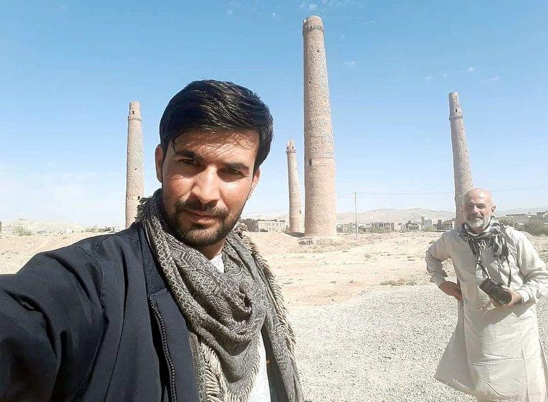 Inilah Hafizullah Akbar Kohistani (29), pemuda asal Kabul yang berprofesi sebagai pemandu wisata di negara konflik, Afghanistan. Sudah lebih dari 10 tahun Akbari menjalani profesi yang menantang ini. (dok. Hafizullah Kohistani)