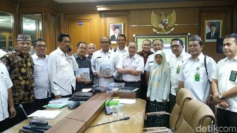 Foto: Dirjen KSDAE, Wiratno dan segenap stakeholder terkait (Randy/detikTravel)