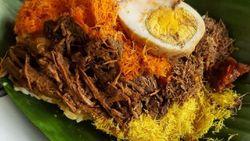 Sarapan Kenyang dan Puas dengan Nasi Krawu Berlauk Komplet