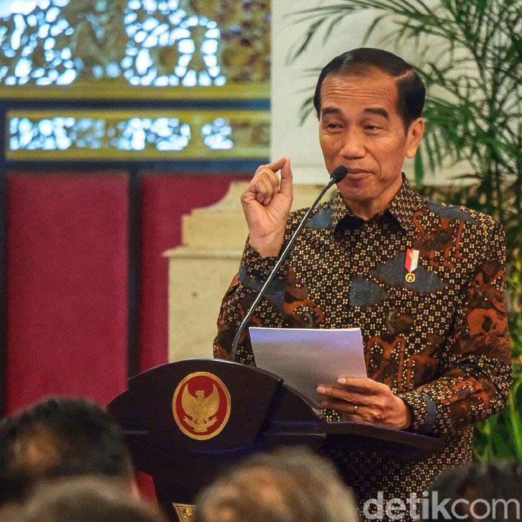 Jokowi 2 Kali Minta Maaf karena Salah Kostum
