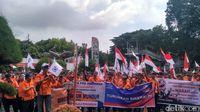Gelar Aksi Demo, Pak Pos Tuntut Direksi Mundur
