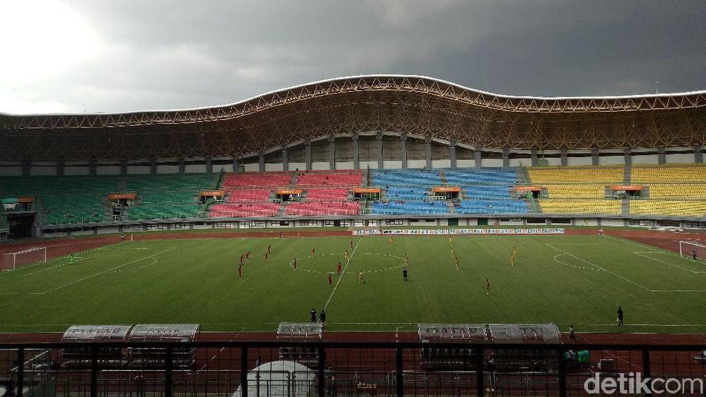 Polisi Selidiki Kasus Wasit Diinjak Pemain Bola di Stadion Patriot Bekasi
