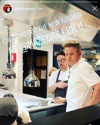 Gordon Ramsay Tuai Protes Karena Buat Restoran Asia Tapi Chefnya Bukan Orang Asia
