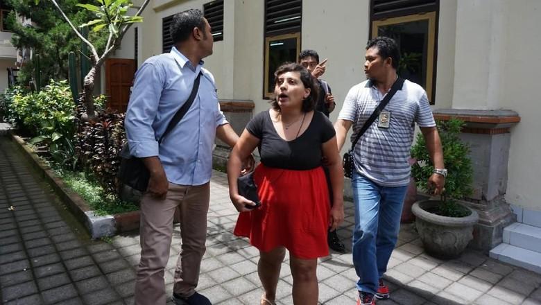 Geger Taqaddas di Bali, Tak Sekadar Tampar Petugas Imigrasi
