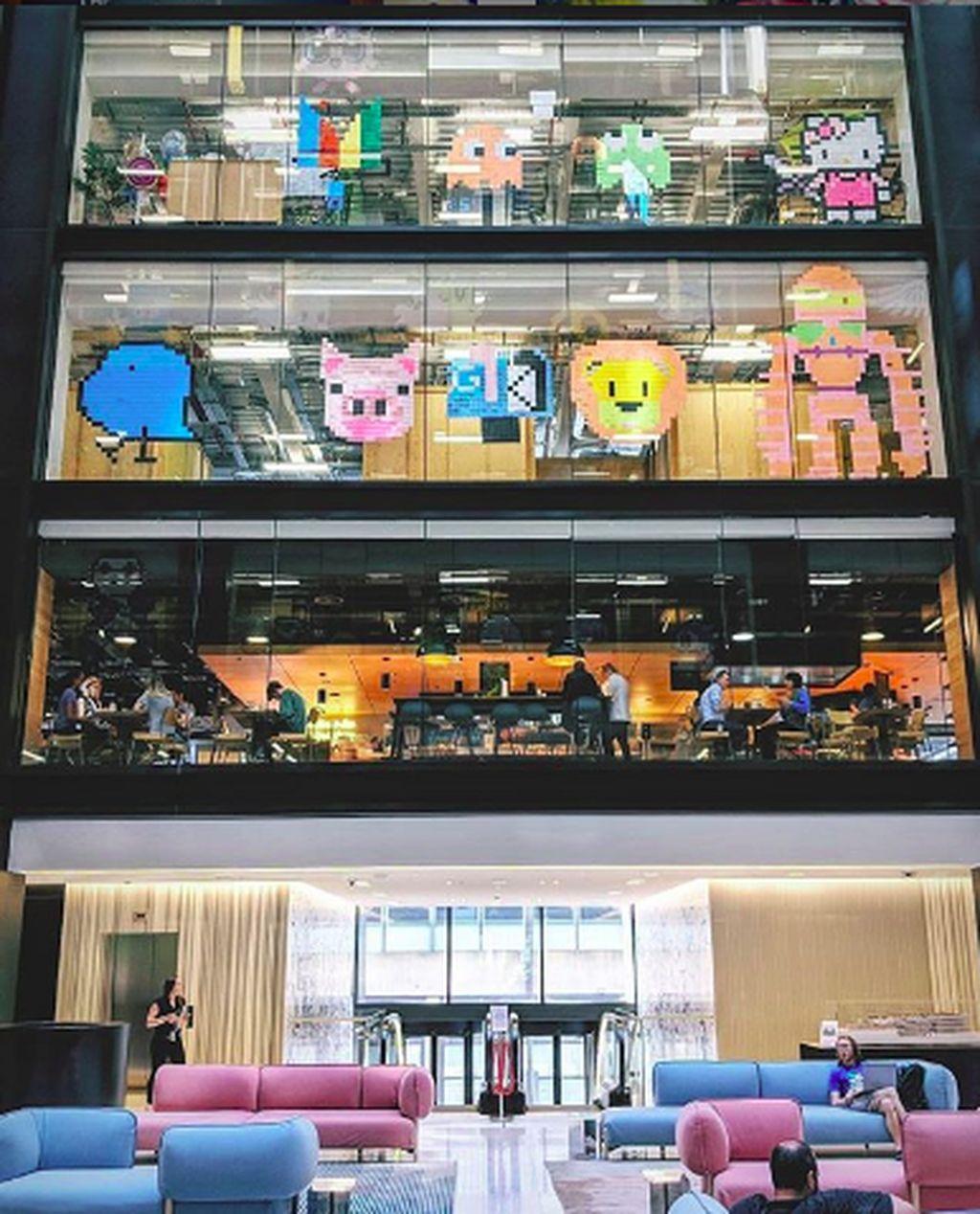 Kantor pusat Google terletak di Mountain View, California, Amerika Serikat dan banyak kantor lain di seluruh dunia. Terdapat segudang fasilitas yang disediakan Google untuk memanjakan karyawannya.(Foto: Instagram/lifeatgoogle)