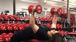Dengan berat badan mencapai 171 kg, Alysha beberapa kali berusaha bunuh diri. Namun kemudian ia mengubah gaya hidupnya dan perlahan bangkit dari keterpurukan.