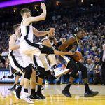 Hasil NBA: Warriors Hantam Spurs 141-102