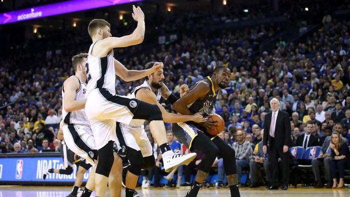 Golden State Warriors menang 141-102 atas San Antonio Spurs dalam lanjutan NBA (Foto: Cary Edmondson-USA TODAY Sports)