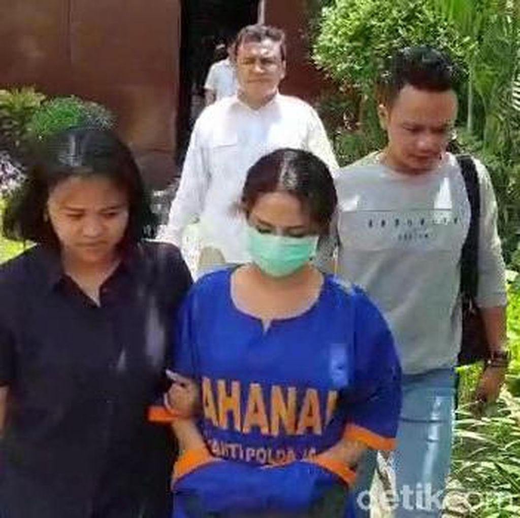 Hibur Diri di Penjara dengan Nyanyi, Vanessa Angel Malah Nangis Kejer