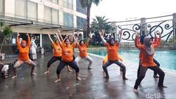 Salah satu pemicu pertumbuhan sel-sel kanker adalah stres. Dengan metode tertentu, olahraga yoga diklaim bisa meredakan hal itu.