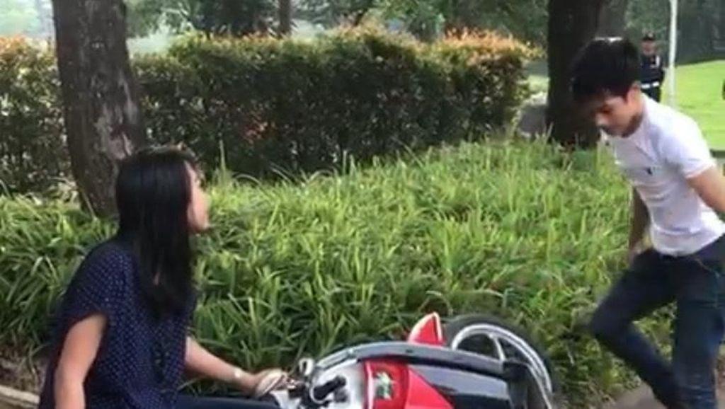 Tingkah Biker Pas Ditilang, Rusak Motor Hingga Ada yang Kesurupan