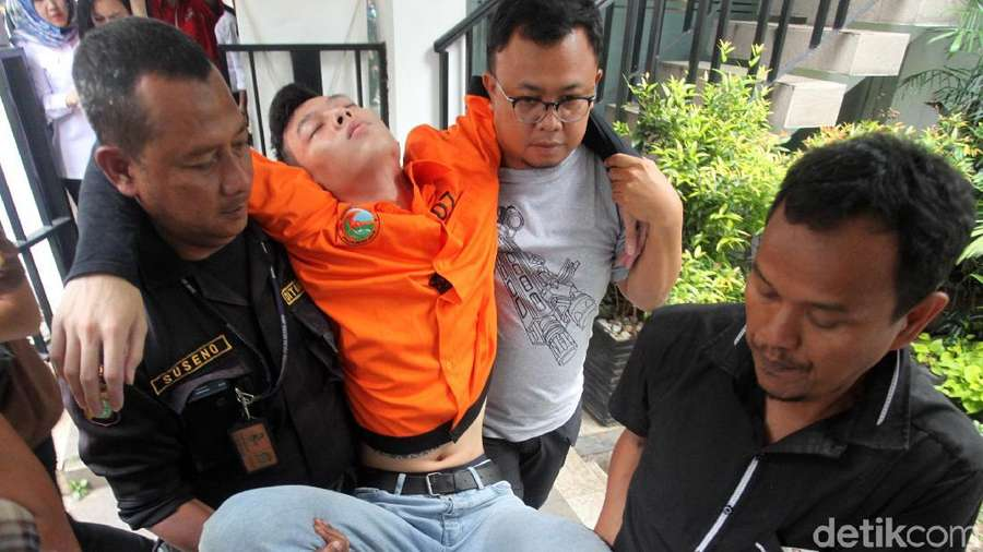 Tangis Reva Alexa alias Yogi saat Diancam Pidana 12 Tahun