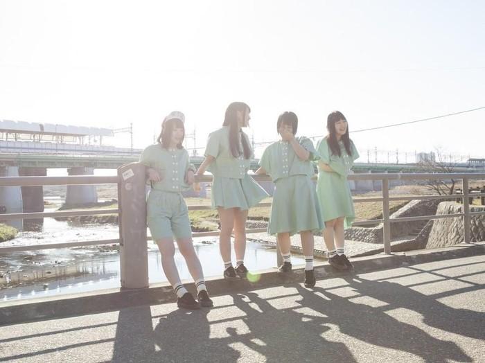 Idol Jepang Banana Monkeys jual sisa air mandi Rp 12 juta. Foto: Twitter