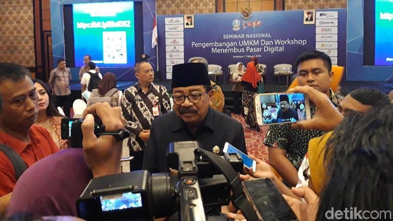 Jelang Akhir Jabatan, Pakdhe Karwo Berlabuh ke Jokowi?