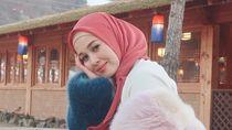 Foto Emma, Artis Cantik Malaysia yang Jadi Kontroversi Setelah Lepas Jilbab