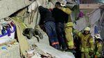Dramatis, Proses Evakuasi Korban Gedung Roboh di Turki