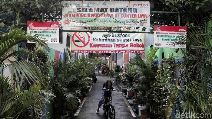 Kawasan bebas rokok di Jakarta Utara (Foto: Pradita Utama)