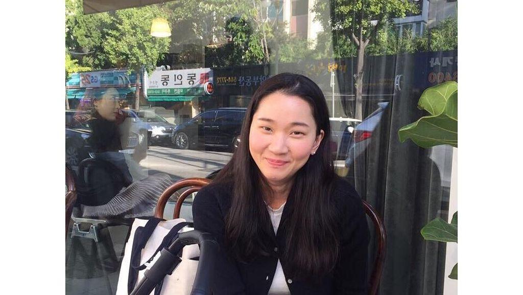Ini Jang Yoon-ju, Model Kawakan Korea Saat Kulineran