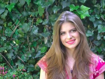 Daniela Aedo Santana, lahir di Meksiko, 12 Februari 1995. Mendekati usia 24 tahun, Daniela makin cantik ya, Bun. (Foto: Instagram/danaedo)