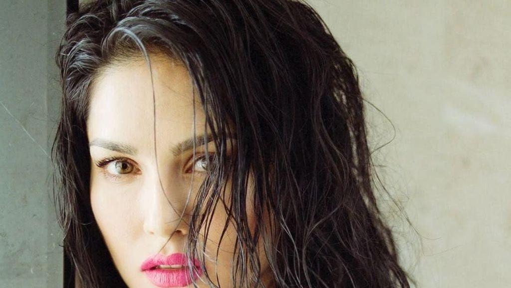 Foto: Eks Bintang Porno yang Jadi Selebriti Wanita Paling Dicari di India