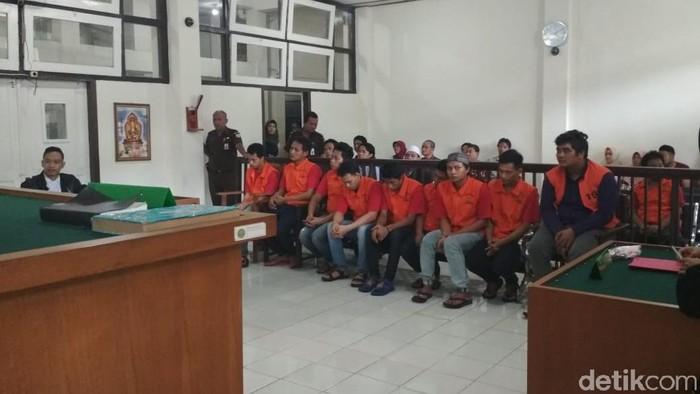 Sembilan orang bandar sabu asal Surabaya, Jawa Timur, Letto cs divonis hukuman mati di PN Palembang. (Foto: Raja Adil Siregar-detikcom)