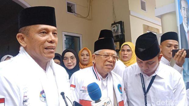 Cawapres Ma'ruf Amin menemui relawan di Padang, Sumbar, Jumat (8/2/2019