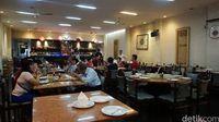 Cahaya Kota: Menyantap Menu Favorit Bung Karno di Resto Legendaris