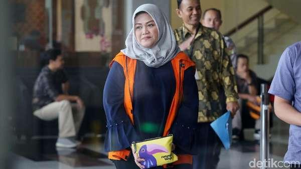 Bupati Neneng Disidang dalam Kondisi Hamil, Minta Izin Berobat