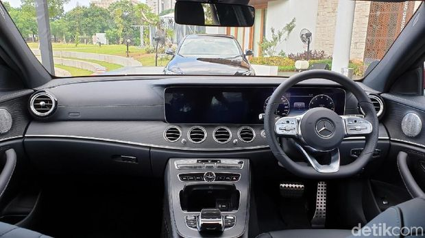 Interior Mercedes-Benz E 350 EQ Boost