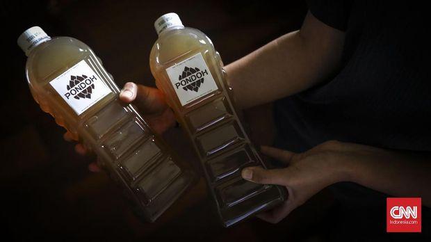 Minuman fermentasi khas Yogyakarta yang terbuat dari salak pondoh.
