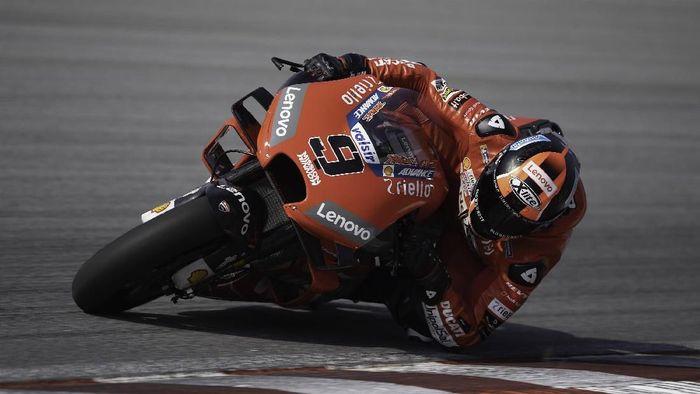 Rider Ducati Danilo Petrucci jadi yang tercepat di hari ketiga tes MotoGP Sepang (Foto: Mirco Lazzari gp/Getty Images)