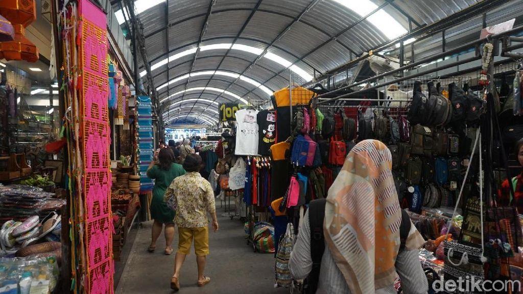 Belanja Serba Murah Serba Ada di Pasar Chatuchak Bangkok