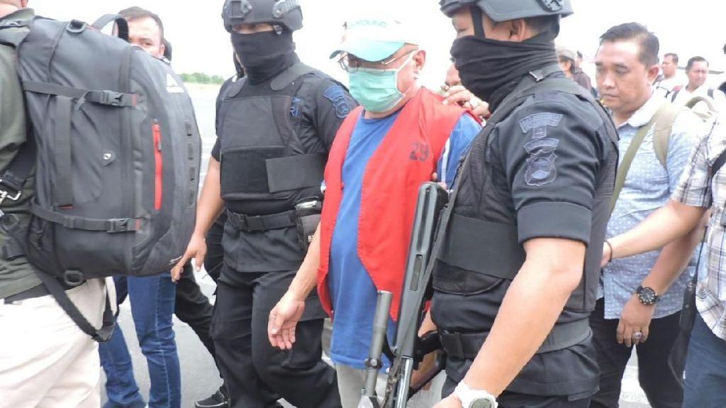 Dikawal Brimob, Koruptor Rp 119 M Dijebloskan ke Lapas Lampung