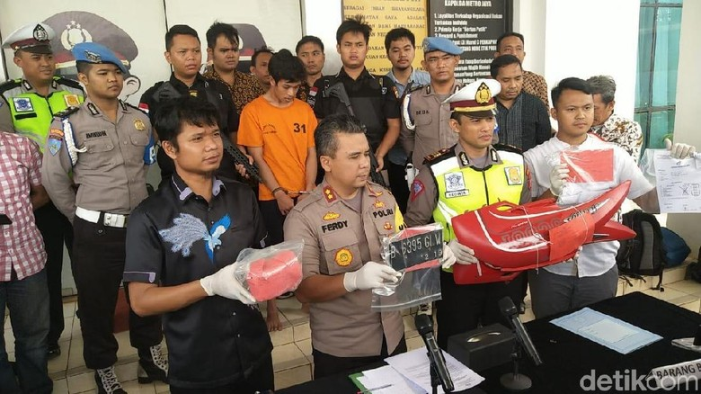 Adi Saputra Si Pembanting Motor Terancam Hukuman 6 Tahun Penjara