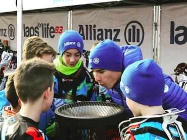 Marc pernah menjadi mentor balap anak-anak di salah satu acara. Sukses terus ya Marc. (Foto: Instagram/marcmarquez93)