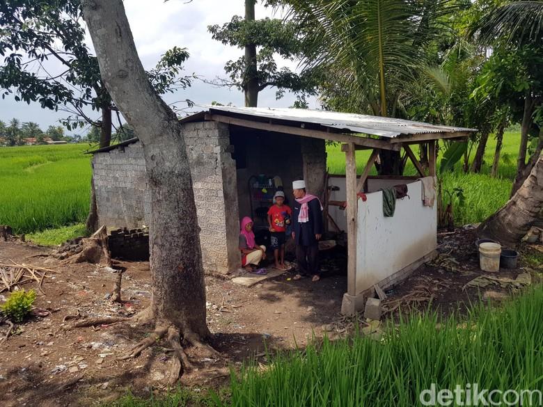 Pilu Keluarga Bakri, Masak Makanan Busuk Hasil Memulung