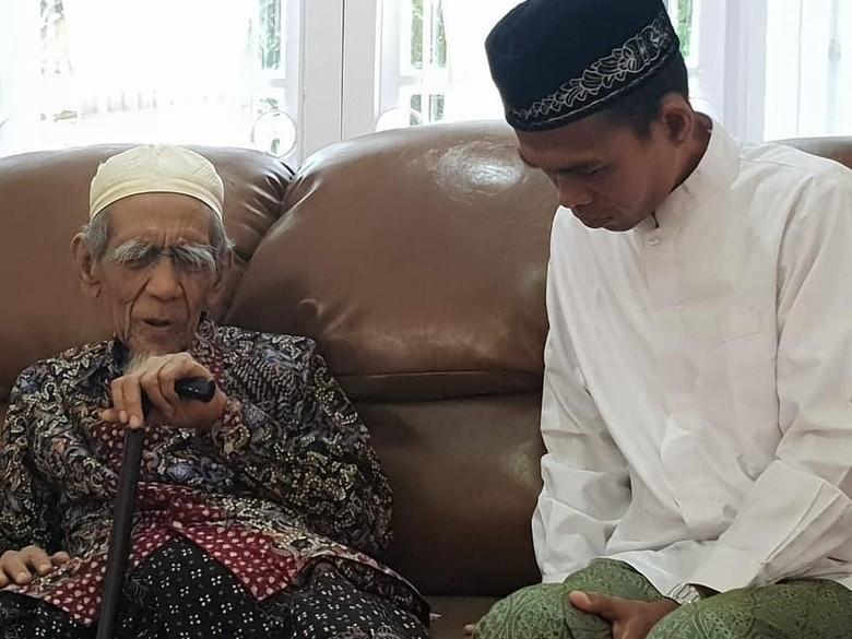 Ustaz Abdul Somad Sowan ke Mbah Moen, Belajar Ilmu Tawaduk