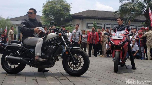 Ridwan Kamil saat bersama Marc Marquez