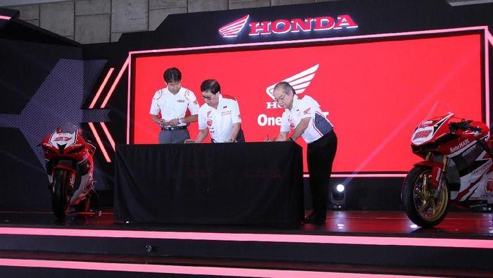 Repsol Honda bersama Satu Hati lebih lama lagi. (Foto: dok. Astra Honda Racing Team)