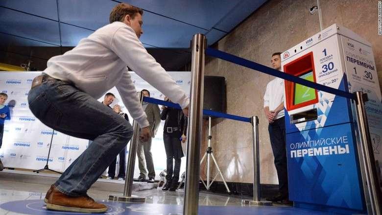 Mesin yang memberikan tiket gratis ini pertama kali dipasang di Moscow, Rusia, tahun 2013 lalu. (Foto: Jarrett Bellini/CNN)