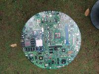 Kreasi Berbahan Limbah Elektronik