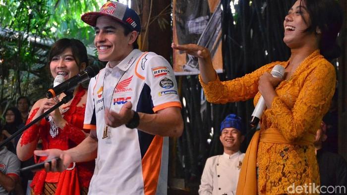Sementara Mandalika bersiap jadi tuan rumah MotoGP, wilayah Dompu di Pulau Sumbawa tengah menghadapi KLB rabies (Foto: Satria Nandha)