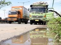 Cerita Sopir Truk soal Untung Rugi Lewat Tol Trans Jawa