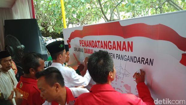 Kapolda Jabar Ajak Nelayan Pangandaran Pastikan Kampanye Damai