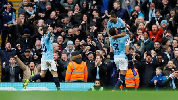 Ilkay Guendogan mencetak gol keempat Man City di babak pertama.